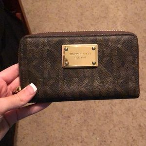 brand new michael kors wristlet/wallet